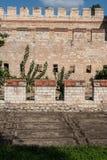 Stadsmuren van Constantinopel in Istanboel, Turkije royalty-vrije stock fotografie