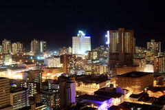stadsnattsikt Arkivfoton