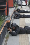STADSPOLISANTI--TERRORIST SOM SOLO UTBILDAR CENTRALA JAVA Royaltyfri Fotografi