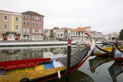 Stadsreflexioner i floden, Aveiro Portugal Arkivfoton