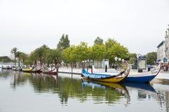 Stadsreflexioner i floden, Aveiro Portugal Arkivbild