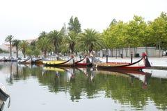 Stadsreflexioner i floden, Aveiro Portugal Arkivfoto