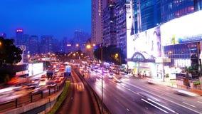 Stadsrusningstid Timelapse. Vägbankfjärd av Hong Kong. Den breda zoomen ut sköt. stock video