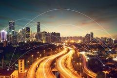 Stadsscape och begrepp för nätverksanslutning Royaltyfri Bild