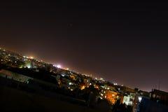 Stadsscape på nattetid Royaltyfri Foto