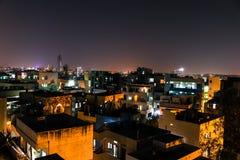 Stadsscape på nattetid Fotografering för Bildbyråer