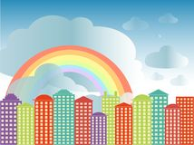 Stadsseriebakgrund Färgrika byggnader, blå molnig himmel, regnbåge, vektor Arkivbild