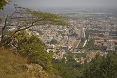 Stadssikt av staden av Tiruvanumalai, Tamilnadu, Indien royaltyfri foto