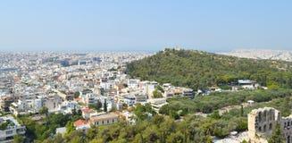 Stadssikt från akropolen i Aten, Grekland på Juni 16, 2017 Royaltyfri Fotografi