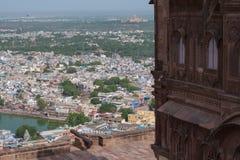 Stadssikt från det Jodhpur fortet Arkivfoto