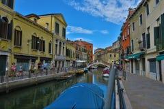 Stadssikt på gatorna av Murano, Venedig Royaltyfri Foto