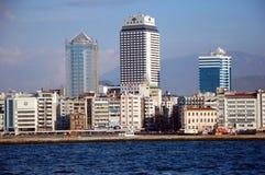 Stadssikter av Izmir Arkivbild