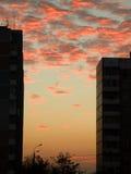 stadssolnedgång Arkivfoto