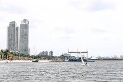 Stadsstad på stranden Arkivbild