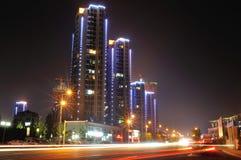 Stadsstraat bij nacht Royalty-vrije Stock Foto's