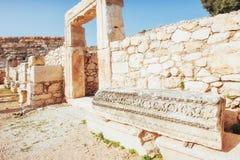Stadsväggar i fördärvar av Troy, Turkiet arkivfoto