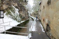 Stadsväggar Strada Dupa Ziduri i Brasov Fotografering för Bildbyråer