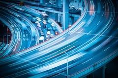 Stadsverkeer op viaduct Royalty-vrije Stock Foto's