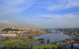 Stadsweergeven Istanboel van het observatieplatform in de zomer bij zonsondergang royalty-vrije stock foto's