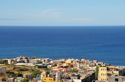 Stadt über dem Meer Lizenzfreie Stockfotografie