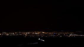 Stadt abgedeckt durch Nacht Lizenzfreie Stockbilder