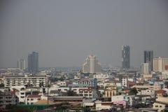 Stadt-Ansicht mit Smog Khon- Kaenstadtzentrum stockfoto