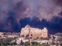 Stadt auf Feuer Stockfotografie