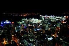Stadt bis zum Nacht Stockbild
