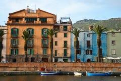 Stadt Bosa, Sardinien, Italien Lizenzfreies Stockbild