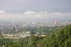 Stadt in den Wolken Lizenzfreies Stockbild