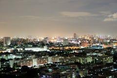 Stadt in der hellen Nacht Stockfotos