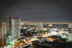 Stadt in der hellen Nacht Stockbilder