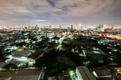 Stadt in der hellen Nacht Stockbild