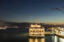 Stadt, in der Kontinente sich treffen Stadtansicht und -Stadtbild von Istanbul lizenzfreie stockbilder