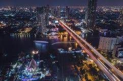 Stadt in der Nacht Lizenzfreies Stockbild