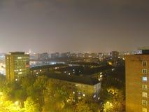 Stadt in der Nacht Stockbild