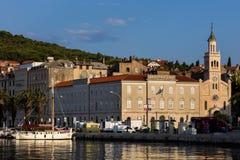 Stadt der Spalte in Kroatien lizenzfreie stockfotos