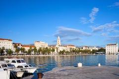Stadt der Spalte in Kroatien Stockfotografie