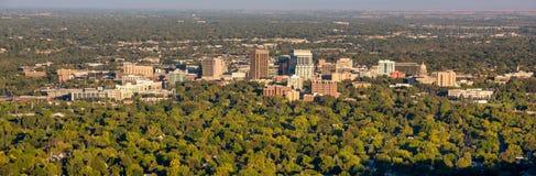 Stadt des Baumskylinemorgens Boise Idaho stockfotografie