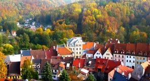 Stadt in einem Wald Lizenzfreie Stockfotos