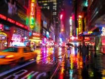 Stadt-Farben nachts Stockfotografie