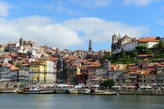 Stadt-Fluss-Ansicht Porto alte, Porto, Portugal Stockbild