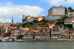 Stadt-Fluss-Ansicht Porto alte, Porto, Portugal Stockbilder