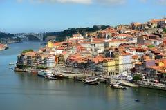 Stadt-Fluss-Ansicht Porto alte, Porto, Portugal Stockfotografie