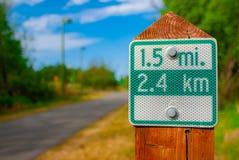 Stadt-gehende Spur 1 5 Meile Milepost Lizenzfreie Stockfotos