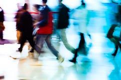 Stadt-Geschäftsleute, die Auszug laufen lassen Lizenzfreie Stockbilder