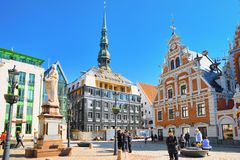 Stadt Hall Square Latvian Ratslaukums ist eine des zentralen squ lizenzfreie stockfotos