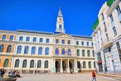 Stadt Hall Square Latvian Ratslaukums ist eine des zentralen squ lizenzfreies stockfoto