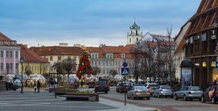 Stadt Hall Square mit einem Weihnachtsbaum Lizenzfreies Stockfoto