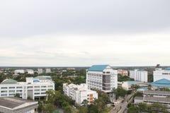 Stadt-hohe Ansicht stockbild